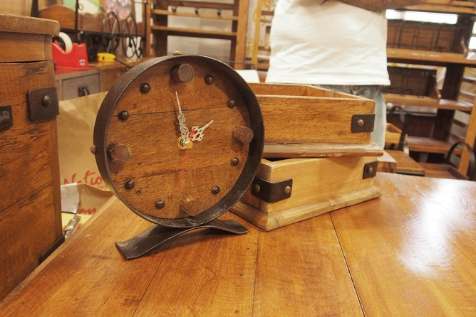 istorya vintage appreciation fair 2017 wooden clock