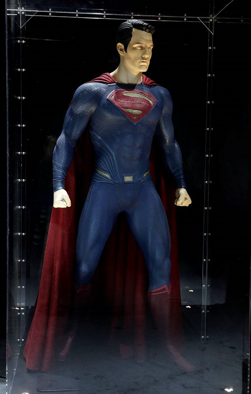 Superman's Costume: Batman v Superman Dawn of Justice