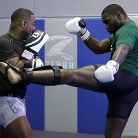 Rashad Evans considering class change, to avoid fight with partner Anthony Johnson