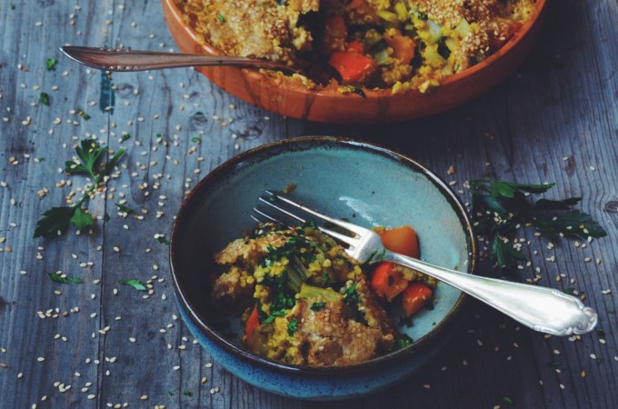 When I crave comfort food in the middle of summer – Bulgur bake with a tahini béchamel