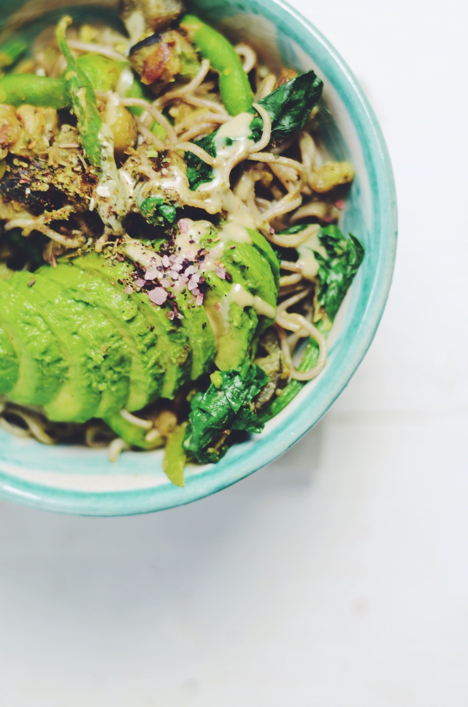 creamy avocado tahini ramen with zatar