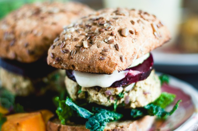 Indian Spiced Chickpea Burgers – a chill night in with my sister