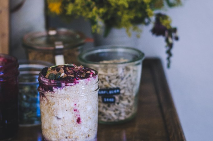 Breakfast Jar / Black Currant & Quinoa