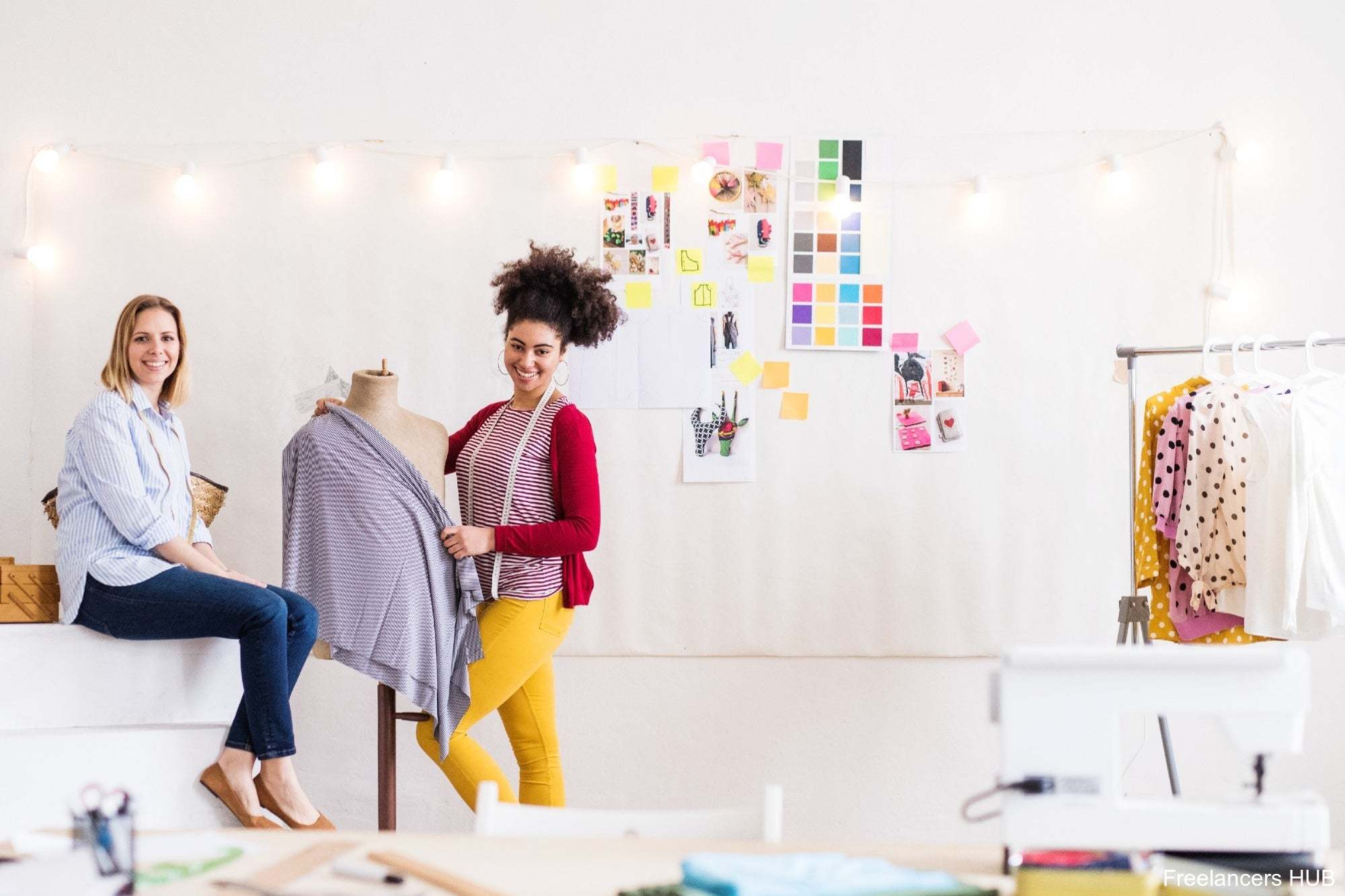 They encourage women to reinvent their businesses with a digital approach