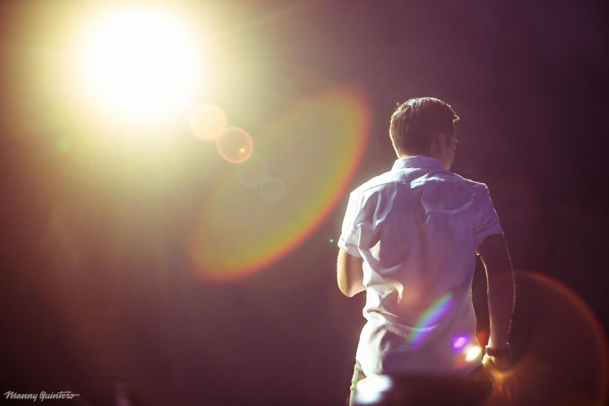 8 manny quintero david archuleta from behind white shirt