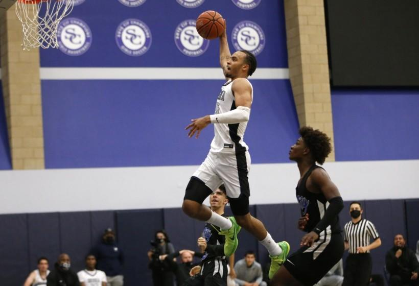 Amari Bailey heads toward one of his multiple dunks in Sierra Canyon's 103-80 win over Culver City.