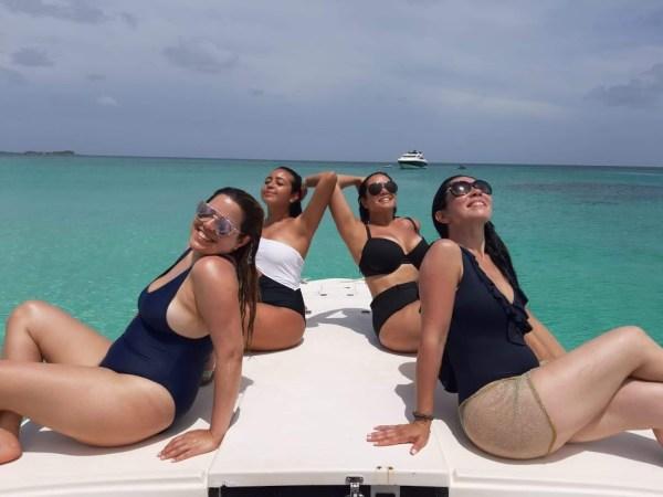 girls suntan