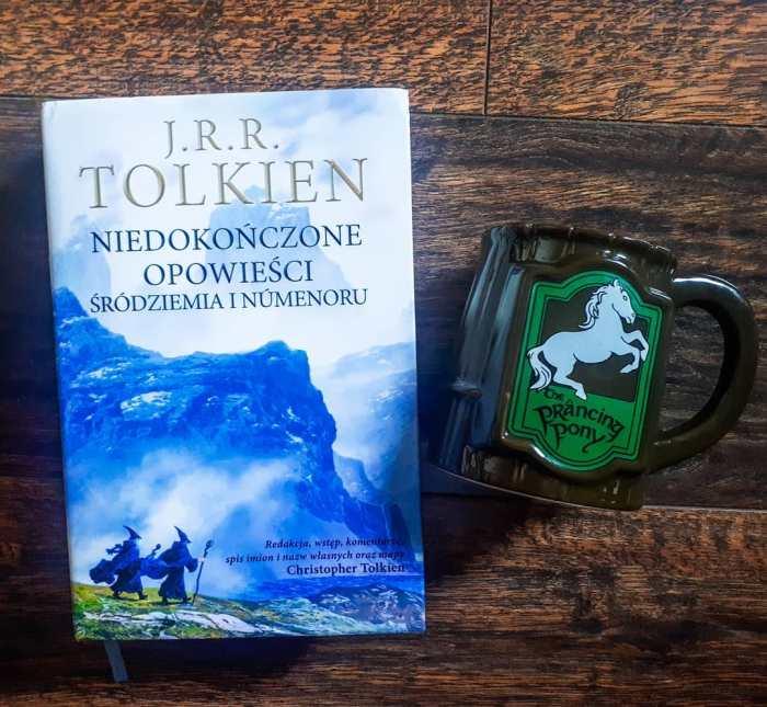 """""""Niedokończone opowieści"""" J.R.R. Tolkien"""