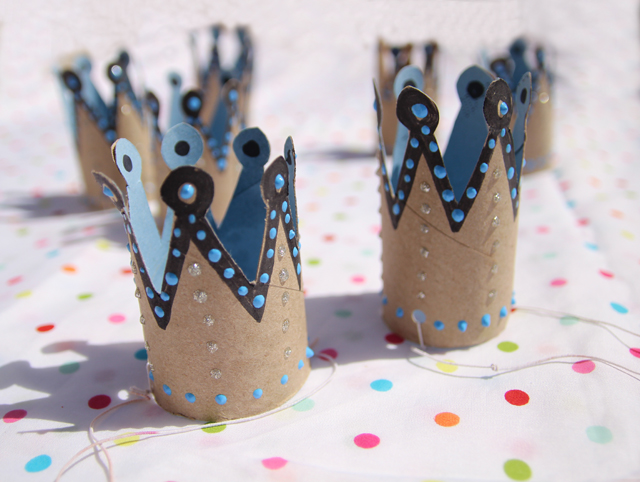 Easy Crown crafted from a toilet paper roll