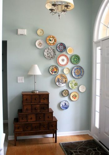 Decorative plate collage - creative gallery wall ideas