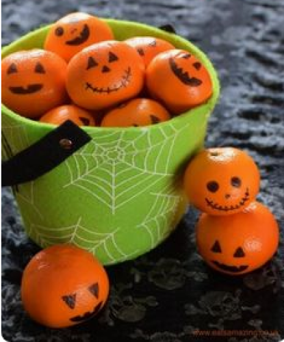 The oranges pumpkins - Ghostly Handmade Halloween Wreath Ideas