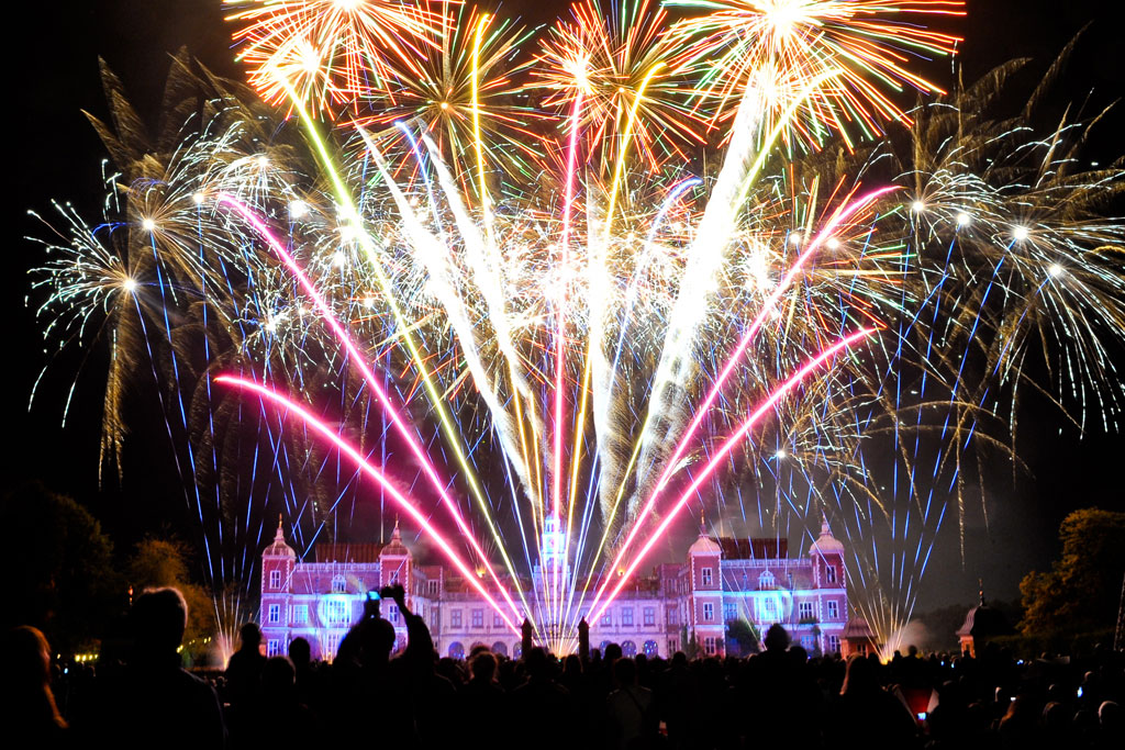 Anniversary fireworks Hatfield House