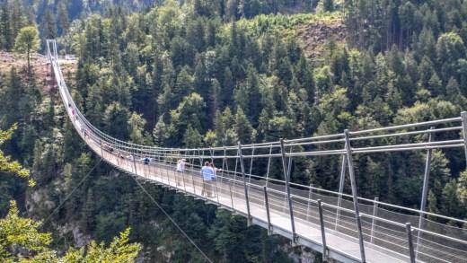 Benni Raich Brücke en Hangbrug Reutte