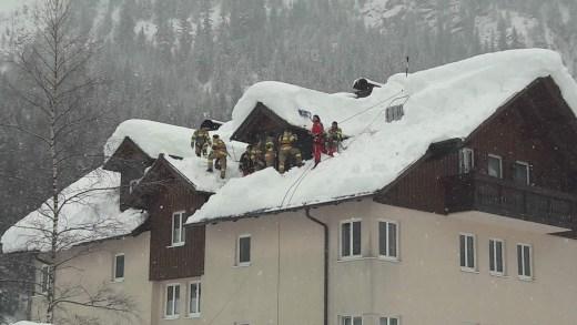 Brandweer Dak schoonmaken sneeuwvrij