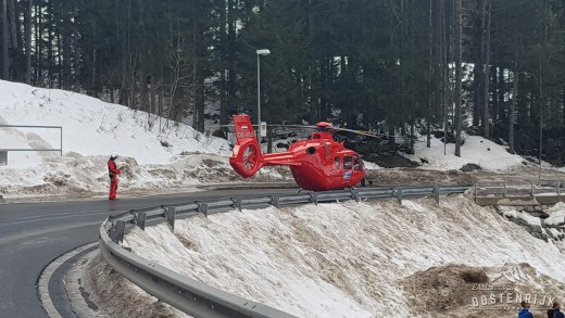 Helikopter Pitztal land op de weg