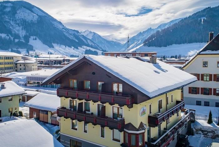 Bruck - Sporthotel Kitz - Aanzicht Summit Travel