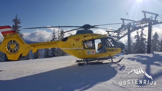 Skiër liet na botsing bloedende gewonde achter op piste!