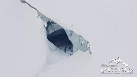 Pitztler Gletsjer Ijsgrot