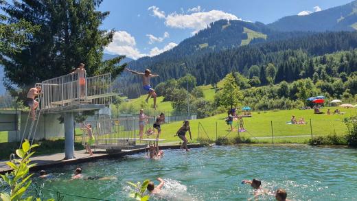 Brixen im Thale, Zwembad, duikplank, badesee
