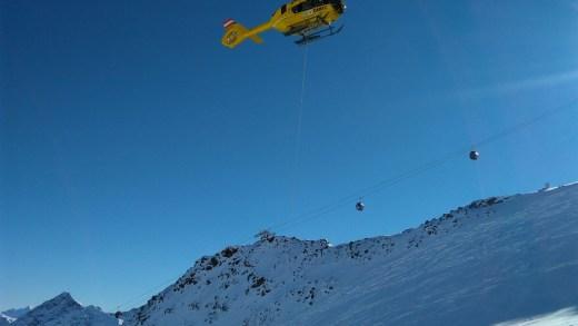 Nederlander negeerde waarschuwingsborden en viel in gletsjerspleet VIDEO