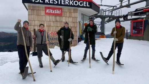 Skiseizoen Kitzbühel geopend op Resterkogel