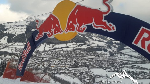 Spectaculaire beelden, afdaling Kitzbühel Red Bull Skydive