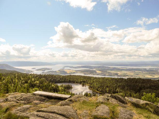 Utsikten fra Gyrihaugen mot vest - Oslomarka - Krokskogen - Fantastiske marka