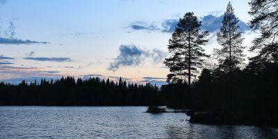 Kveldsstemning på overnattingstur ved et vann - Oslomarka - Fantastiske marka