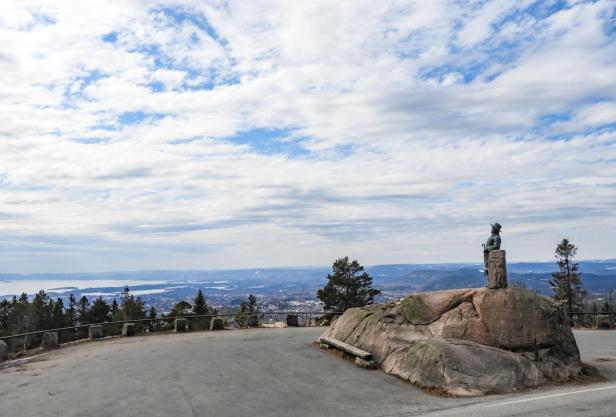 Vakker utsikt fra Kragutsikten langs Voksenkollveien - Oslo - Utsikt - Topper - Fantastiske marka