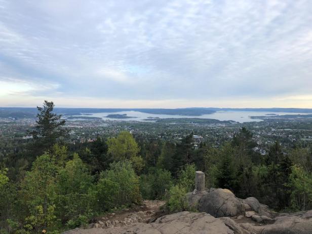 Vettakollen er et populært turmål med en fantastisk utsikt over Oslo - Topper - Utsikt - Oslo - Fantastiske marka