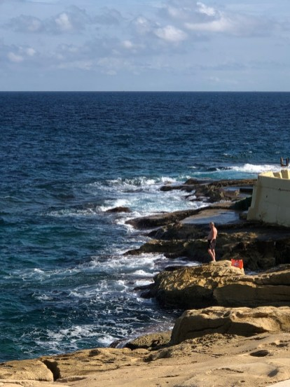 Fantasy Aisle, The rocky formations of Malta's shoreline