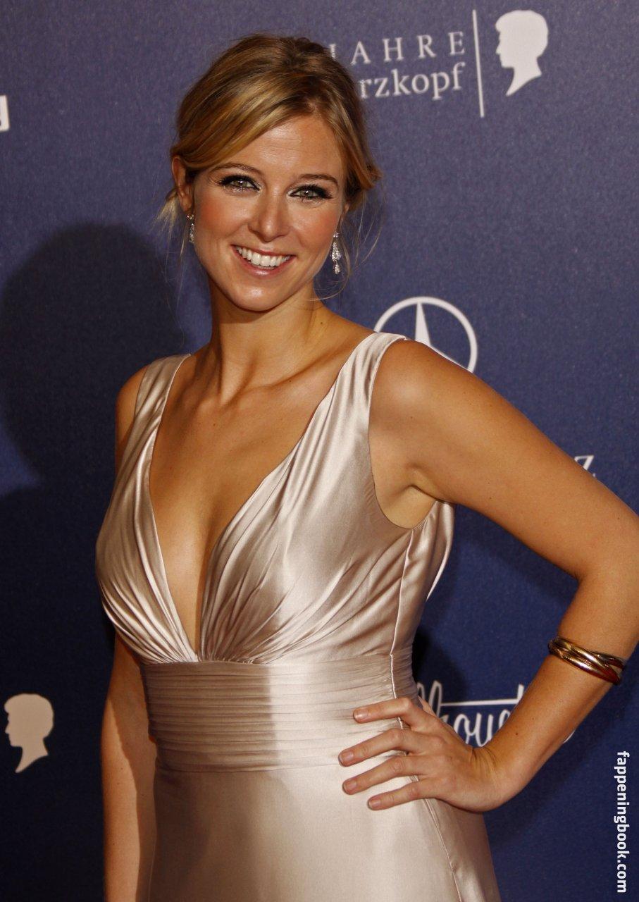 Nina Eichinger Nude