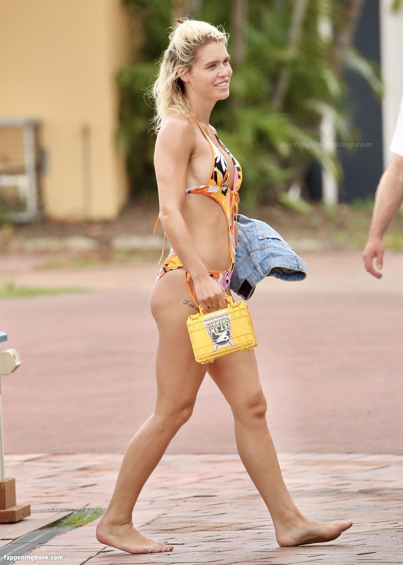 Simone Ormesher Nude