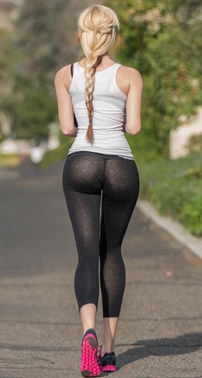 hot-ass-in-yoga-pants-running