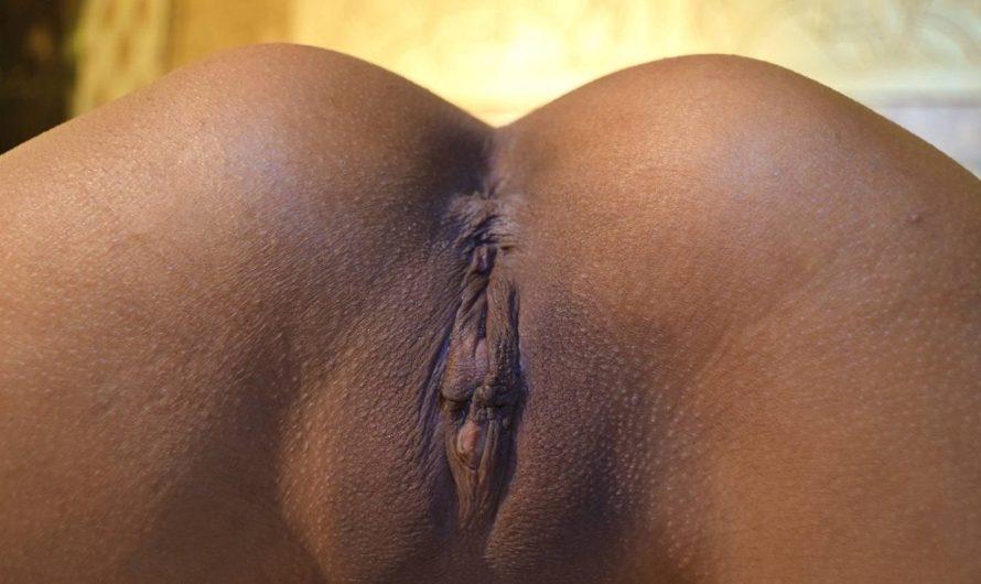 Makaela closeup shaved MILF pussy