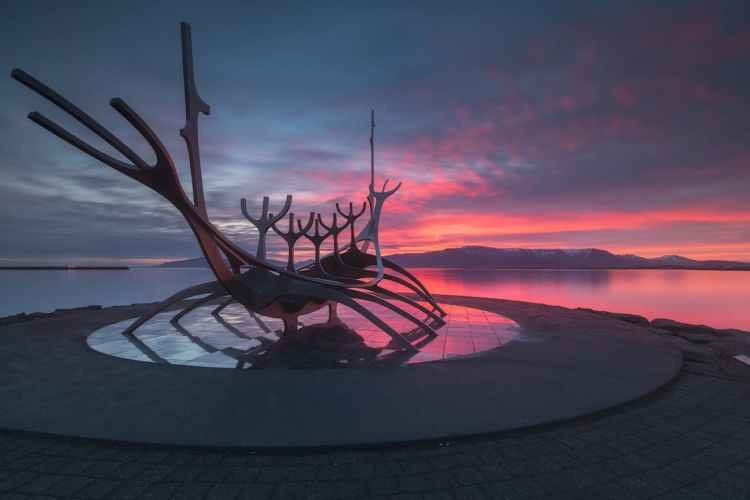 why-iceland-is-the-perfect-place-for-midnight-sun-photography-13