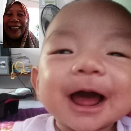 Selepas dua minggu berjauhan dengan Opah, sekali kemain excited dapat video call dengan Opah!