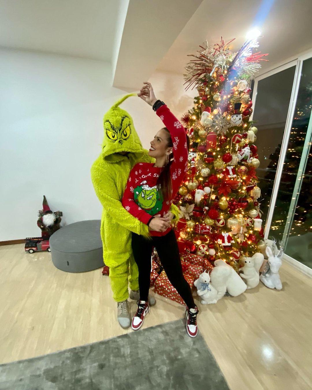 Karlis Romero y Gustavo Elis en Navidad