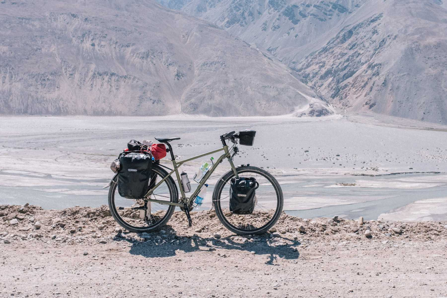 Avaghon X29 in the Wakhan Corridor in Tajikistan
