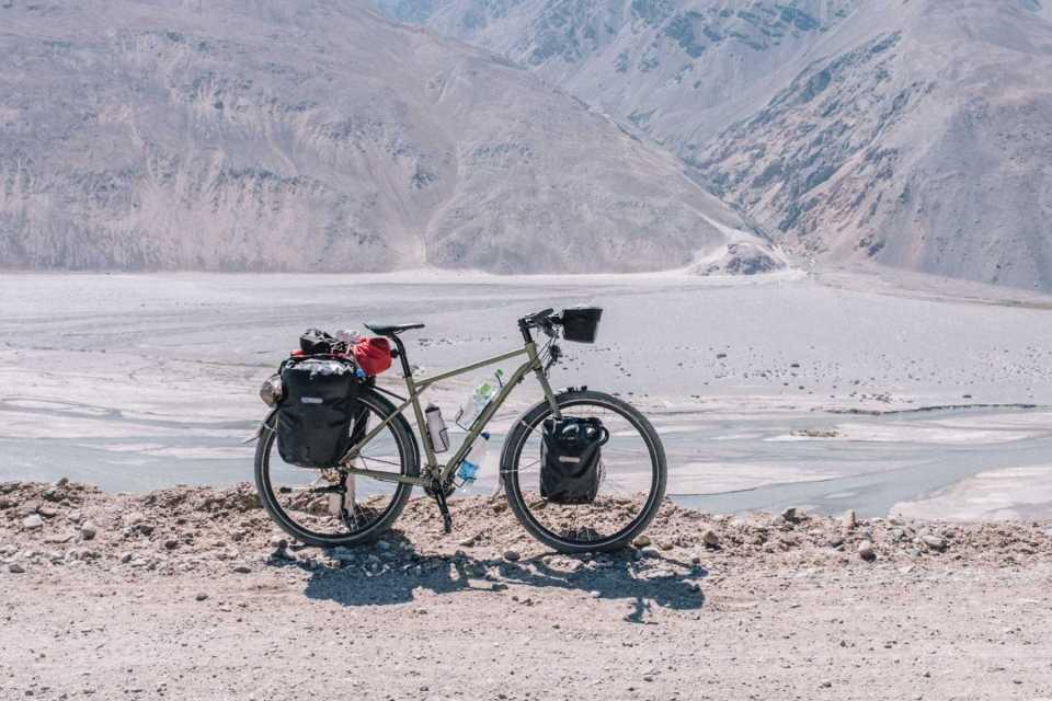 Avaghon X29 in the Wakhan Corridor in Tajikistan