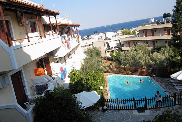 Lägenhetshotell Voula i Ayia Marina / Agia Marina på Egina ö utanför Aten