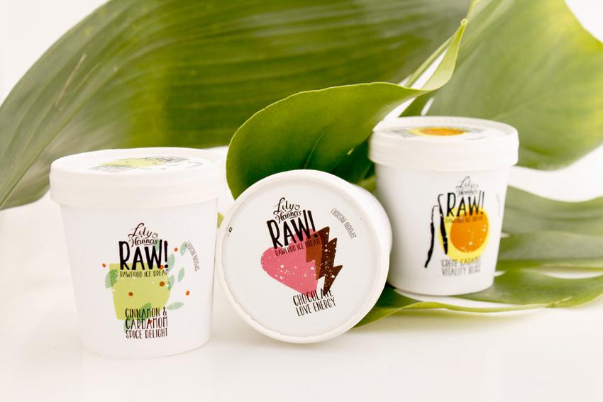 lily & hannas raw food ice dream / glass i smakerna choklad, kola och kardemmuma - ekologiskt & veganskt