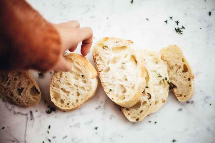 Fråga om glutenfritt bröd till lunchen