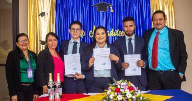 UNAN FAREM Matagalpa, cumpliendo con el compriso de graduar profesionales integrales