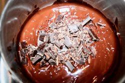 Cestini di cioccolato con mirtilli e lamponi, farinaeuova