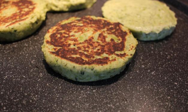 Hamburger con farina di orzo broccoli e patate