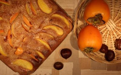 Torta con farina di castagne e cachi