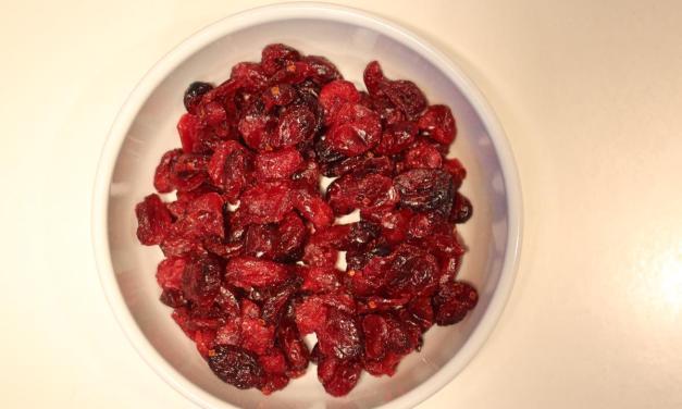Come reidratare i mirtilli rossi essiccati da usare nelle ricette