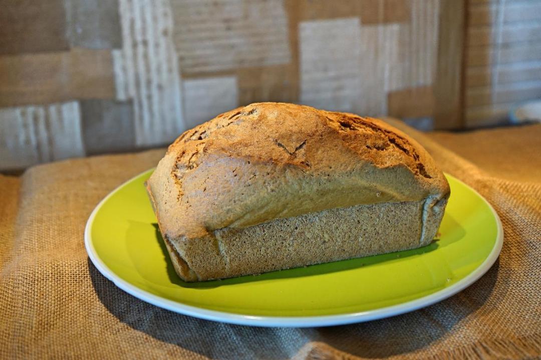 Torta con farina integrale mandorle e zenzero