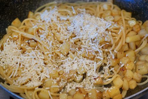 spaghetti patate e rucola